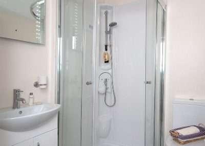 Stratford-shower2