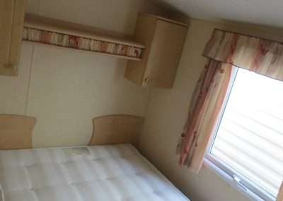 Mobile Home | Willerby Vacation 33x12 - Main Bedroom