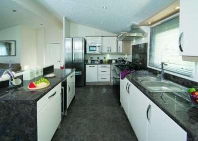 Stratford-kitchen2