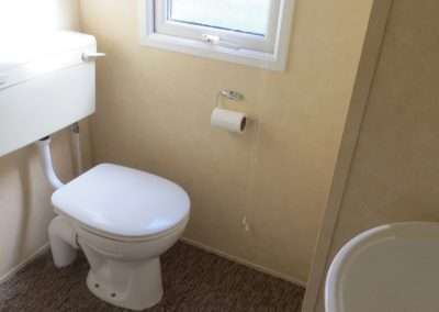 Mobile Home | Willerby Vacation 33x12 - Toilet